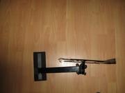 Настенный поворотный кронштейн для крепления телевизора